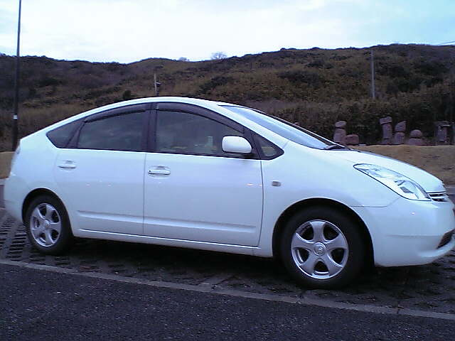 060102_02_prius_sideview
