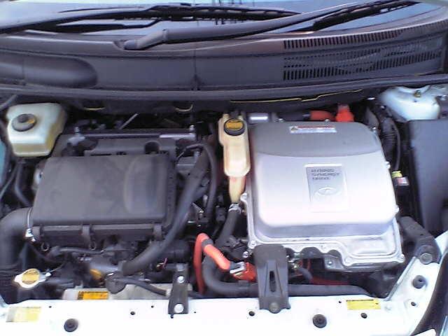060102_17_prius_engine